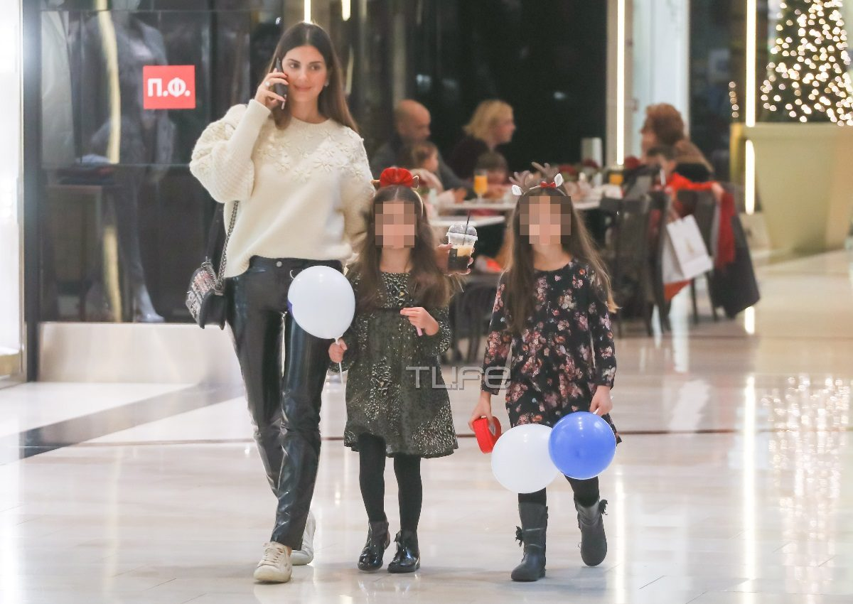 Σταματίνα Τσιμτσιλή: Για ψώνια παρέα με τις κόρες της σε… Christmas mood! [pics] | tlife.gr