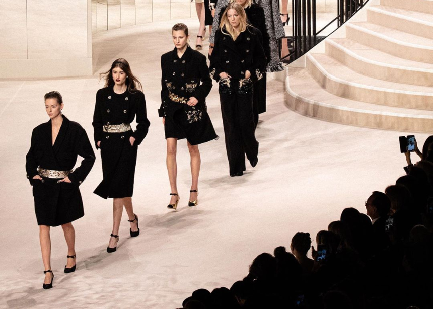 To show Métiers d'art 2019/20 της Chanel