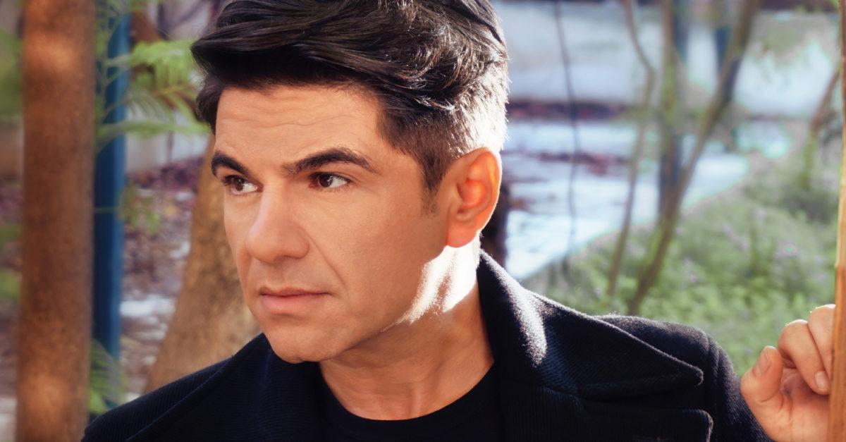 Νίκος Κουρκούλης: Δύσκολες ώρες για τον τραγουδιστή | tlife.gr