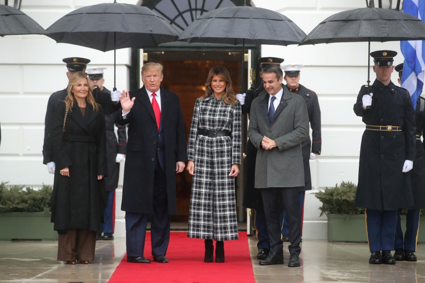 Μαρέβα Μητσοτάκη: Στο πλευρό του Κυριάκου Μητσοτάκη στη συνάντησή του με τον Donald Trump! Φωτογραφίες | tlife.gr