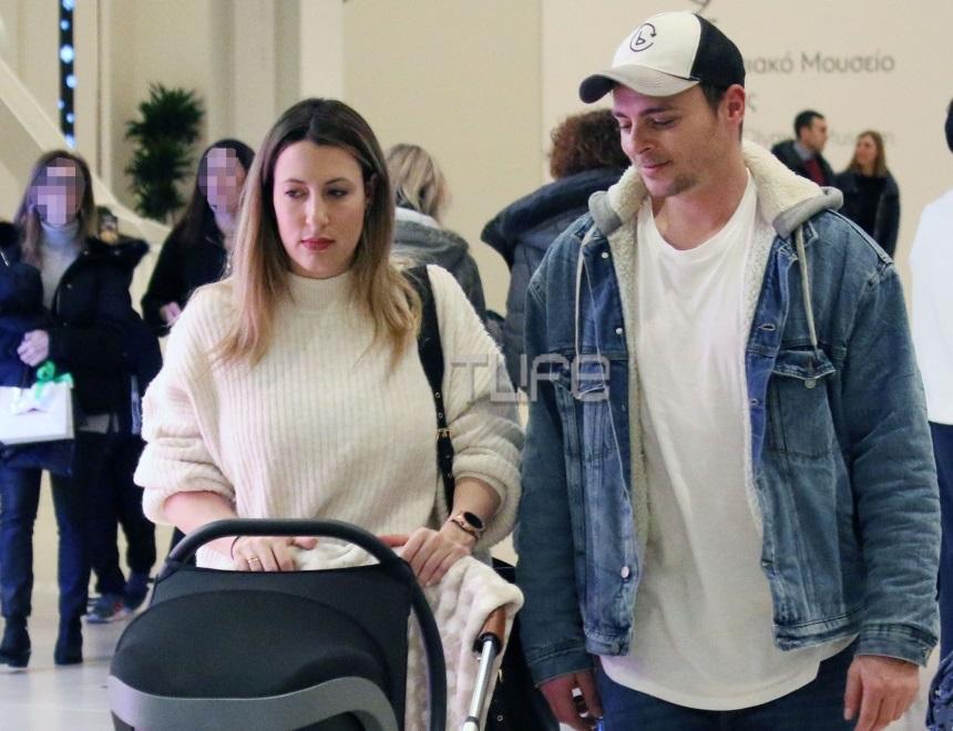 Νίκος Μίχας: Η πρώτη εμφάνιση με την νεογέννητη κόρη του! Οι οικογενειακές βόλτες στα βόρεια προάστια [pics]