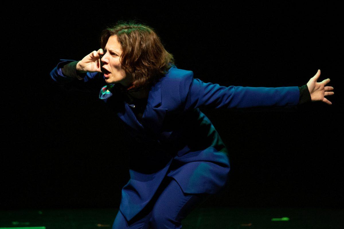 Mαριλίτα Λαμπροπούλου: Εξαιρετική στην παράσταση «Κινητό» που σκηνοθετεί ο σύζυγός της Γιάννης Νταλιάνης | tlife.gr
