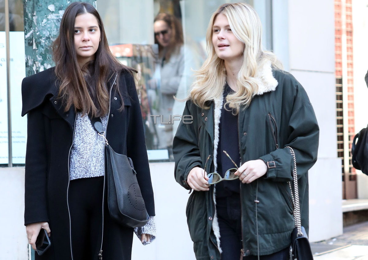 Αμαλία και Αλεξάνδρα Κωστοπούλου: Πρωινή βόλτα με casual look στο κέντρο της Αθήνας! Φωτογραφίες | tlife.gr