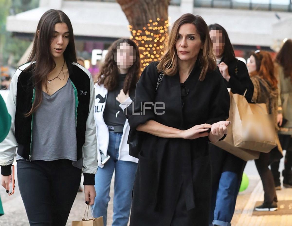 Δέσποινα Βανδή – Μελίνα Νικολαΐδη: Μαμά και κόρη για ψώνια στην Γλυφάδα! Φωτογραφίες