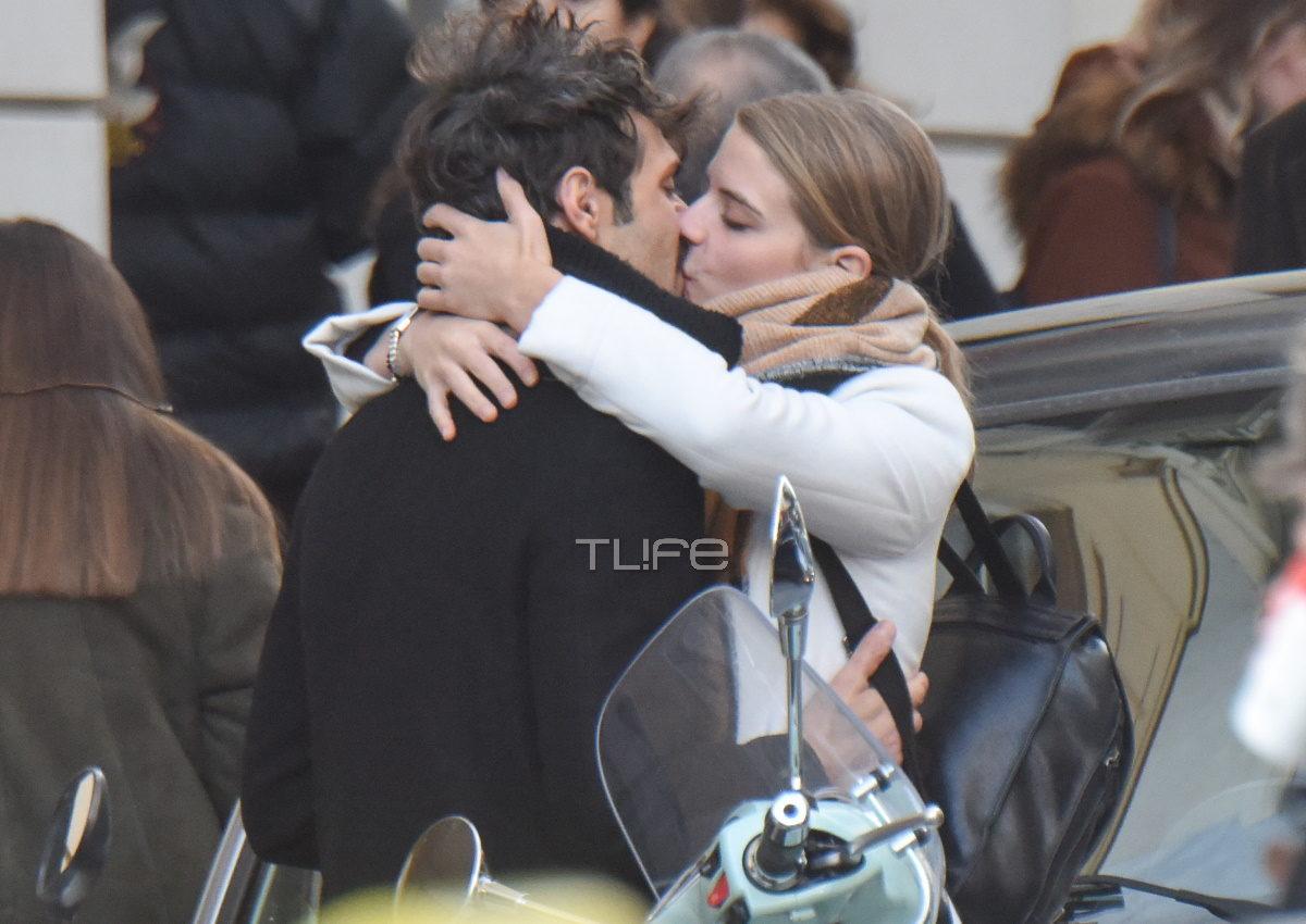 Δανάη Μιχαλάκη – Γιώργος Παπαγεωργίου: Αγκαλιές και φιλιά στο κέντρο της Αθήνας [pics] | tlife.gr