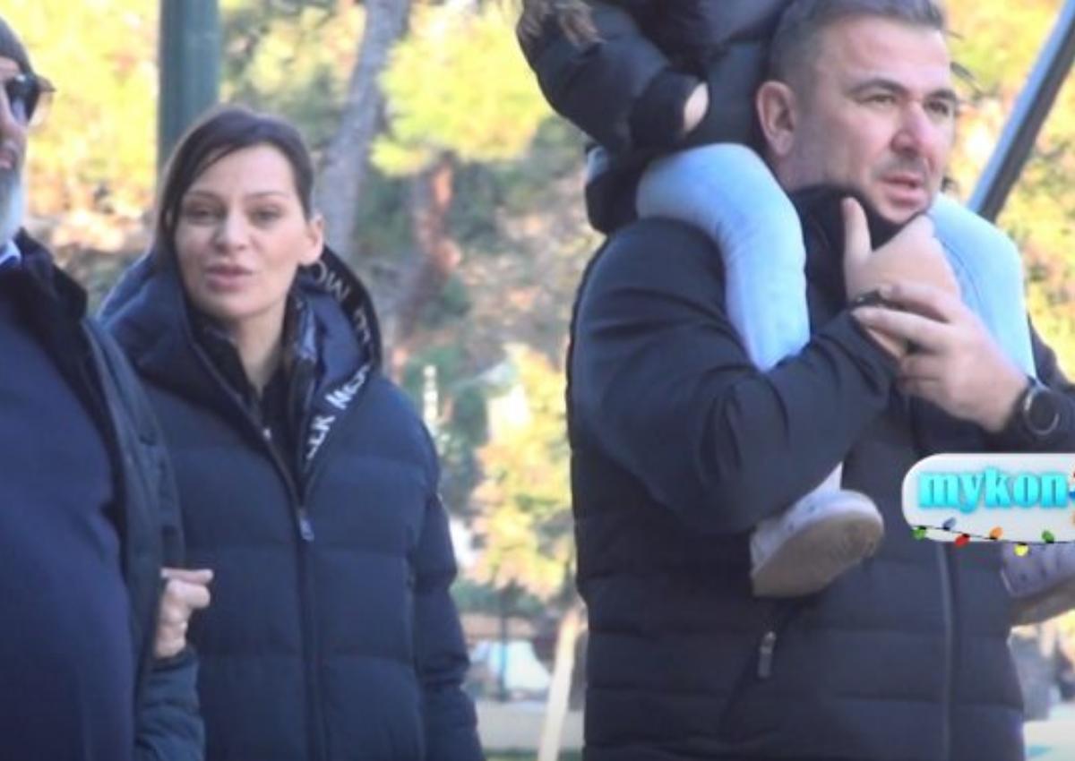 Daddy cool ο Αντώνης Ρέμος! Βόλτα στη Θεσσαλονίκη με την μικρή Έλενα στους ώμους του [video]