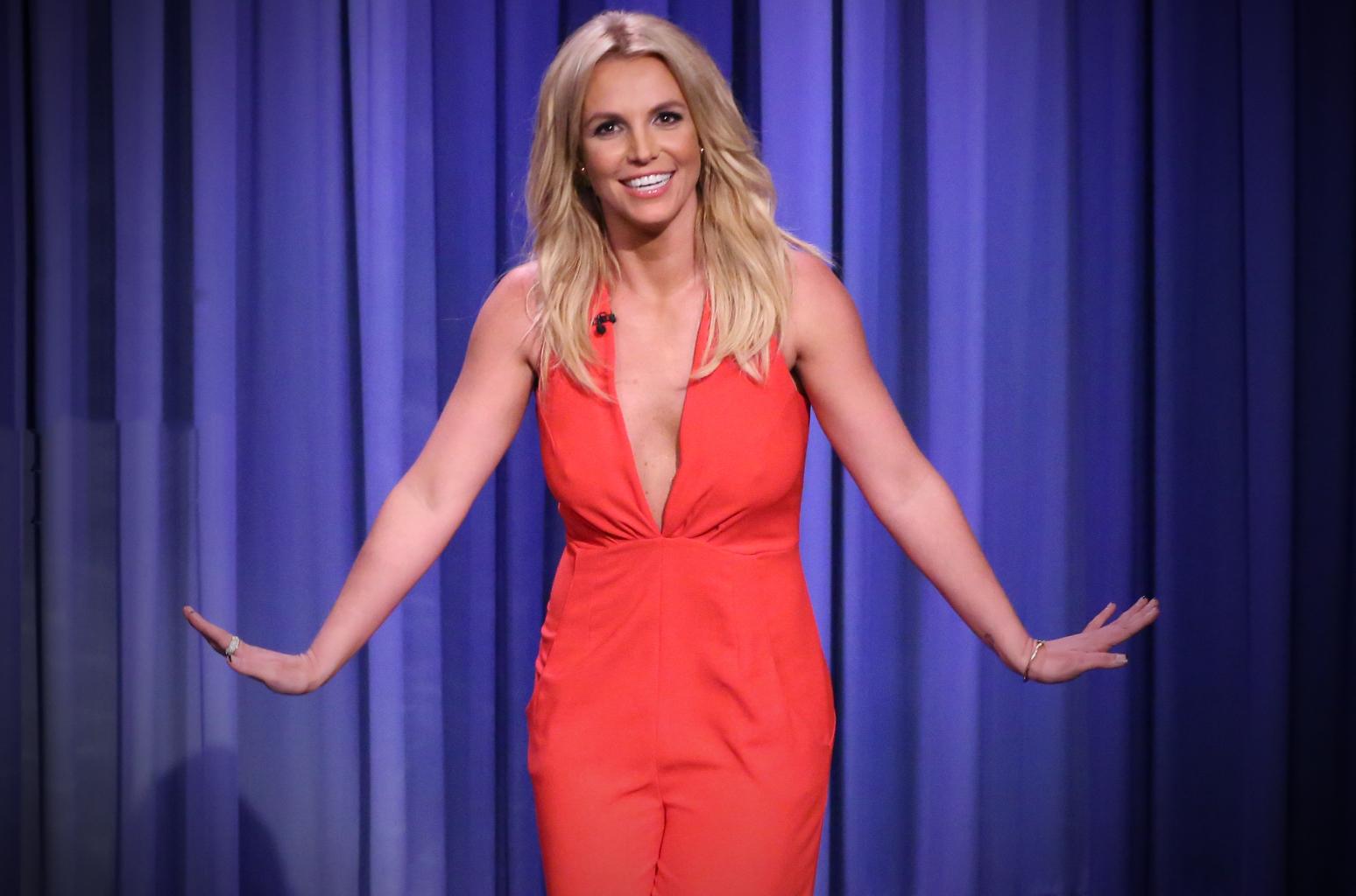 Η Britney Spears τώρα και ζωγράφος – Αύριο τα εγκαίνια της πρώτης έκθεσής της στη Γαλλία