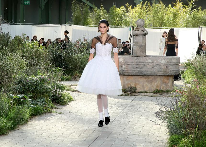 Ηaute Couture Fashion Week: Tι έδειξαν οι οίκοι την 2η μέρα! | tlife.gr