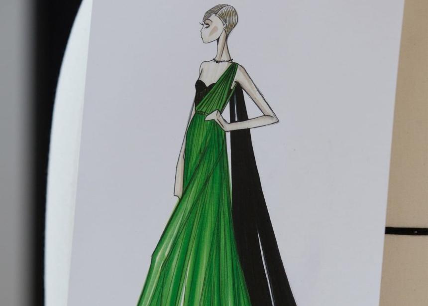 Δες πως ο οίκος Dior σχεδίασε το iconic πράσινο φόρεμα της Charlize Theron για τις Χρυσές Σφαίρες! | tlife.gr