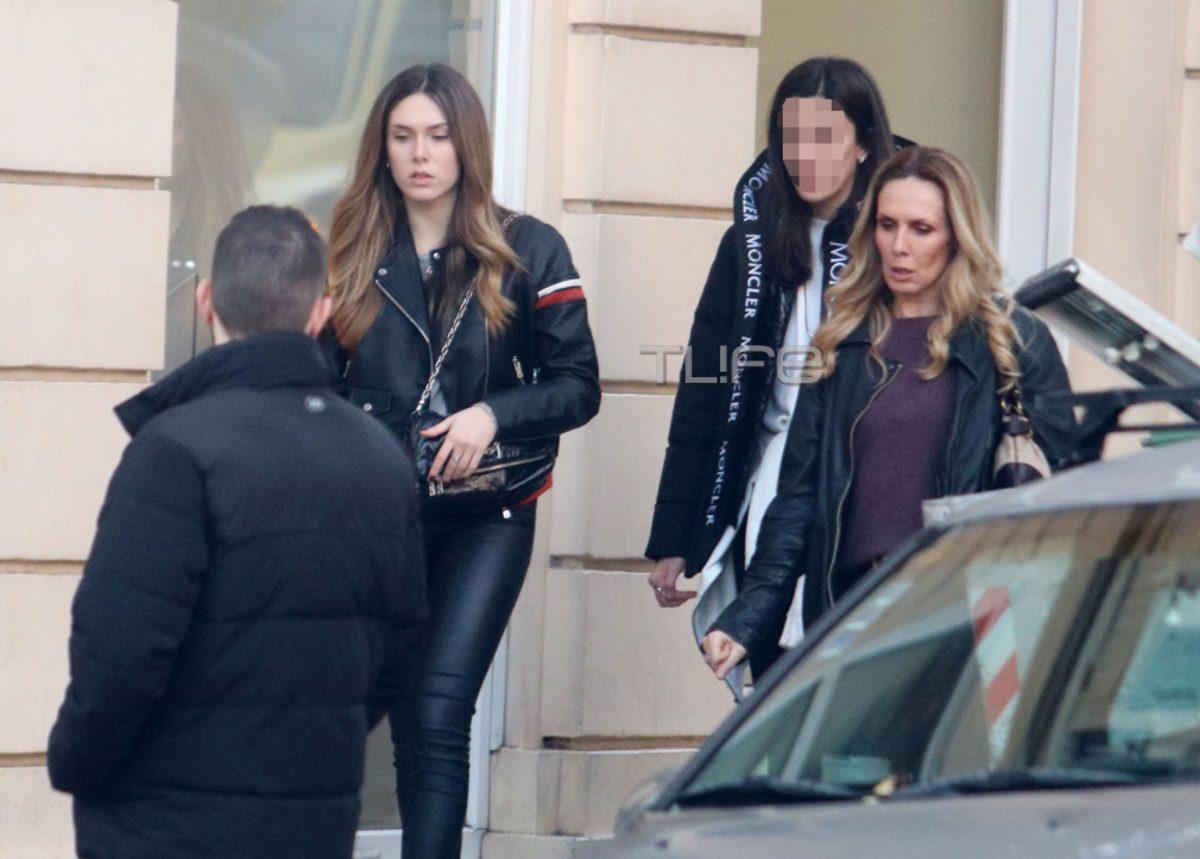 Εβελίνα Παπούλια: Βόλτα με την κόρη της, Αφροδίτη, στην καρδιά της Αθήνας! [pics] | tlife.gr