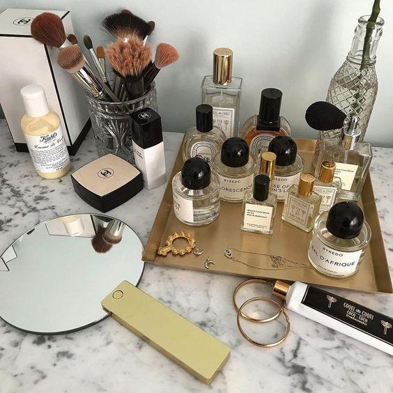 Αν προσπαθείς να φτιάξεις ένα fragrance wardrobe να κάτι που χρειάζεται να ξέρεις! | tlife.gr