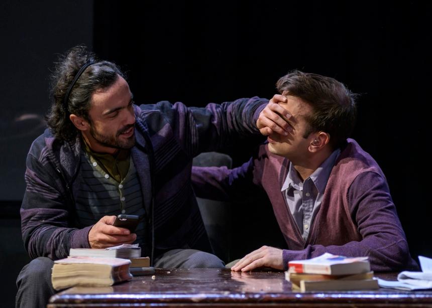 «Φυλές» στο Θέατρο Σταθμός: Προλαβαίνεις (και αξίζει) να το δεις μέχρι τις 26 Ιανουαρίου! | tlife.gr