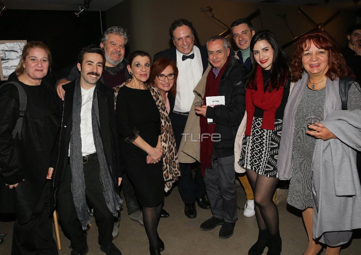 Μαρία Κανελλοπούλου: Σύσσωμο το «Καφέ της Χαράς» στην θεατρική πρεμιέρα της! Φωτογραφίες | tlife.gr