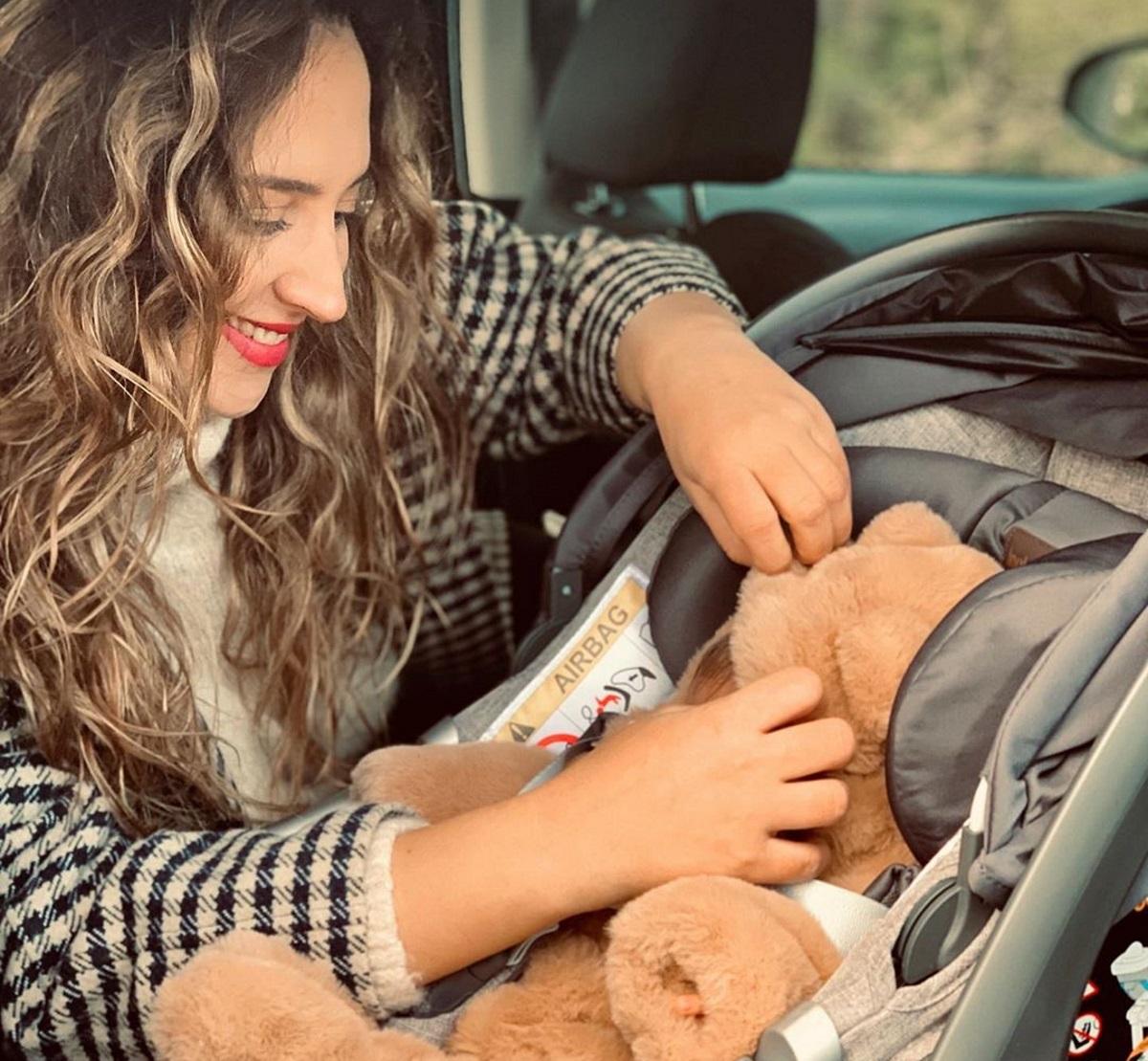 Κλέλια Πανταζή: Δημοσίευσε φωτογραφία που θηλάζει τον 40 ημερών γιο της!