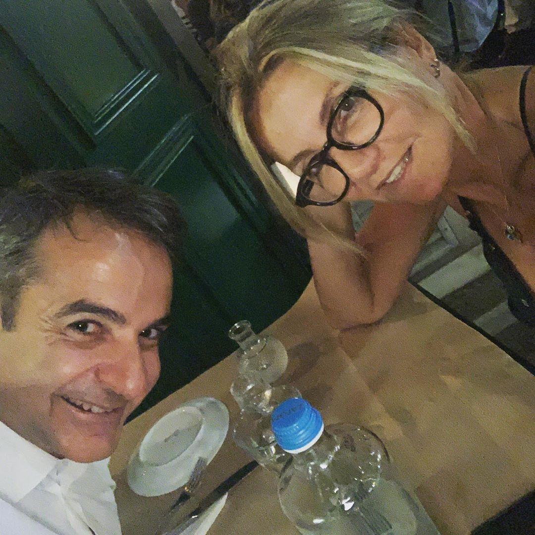 Κυριάκος Μητσοτάκης: Πρωτοχρονιά με τη Μαρέβα και θέα την Αθήνα! [pic]
