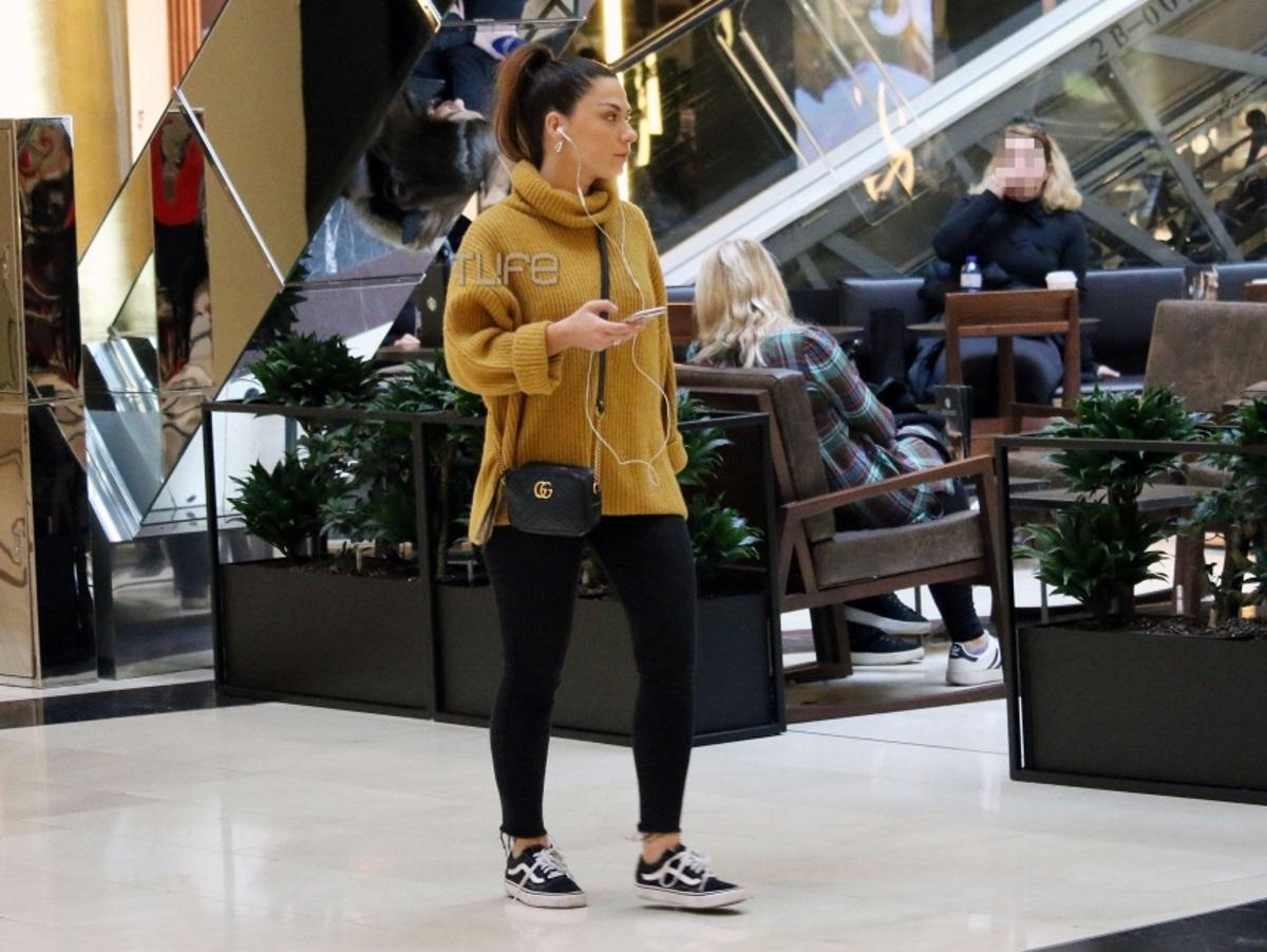 Βάσω Λασκαράκη: Για ψώνια στα βόρεια προάστια με casual look! Φωτογραφίες