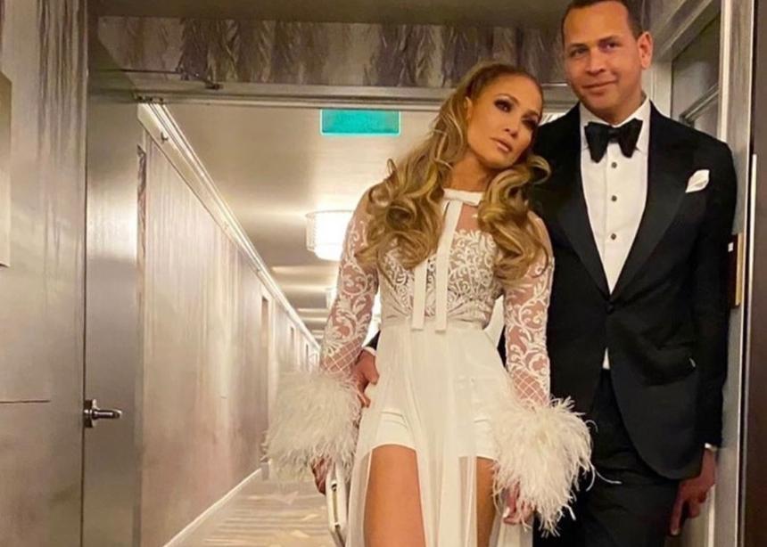 Mήπως το φόρεμα της JLO στο Αfter Party των Golden Globes ήταν πιο ωραίο;