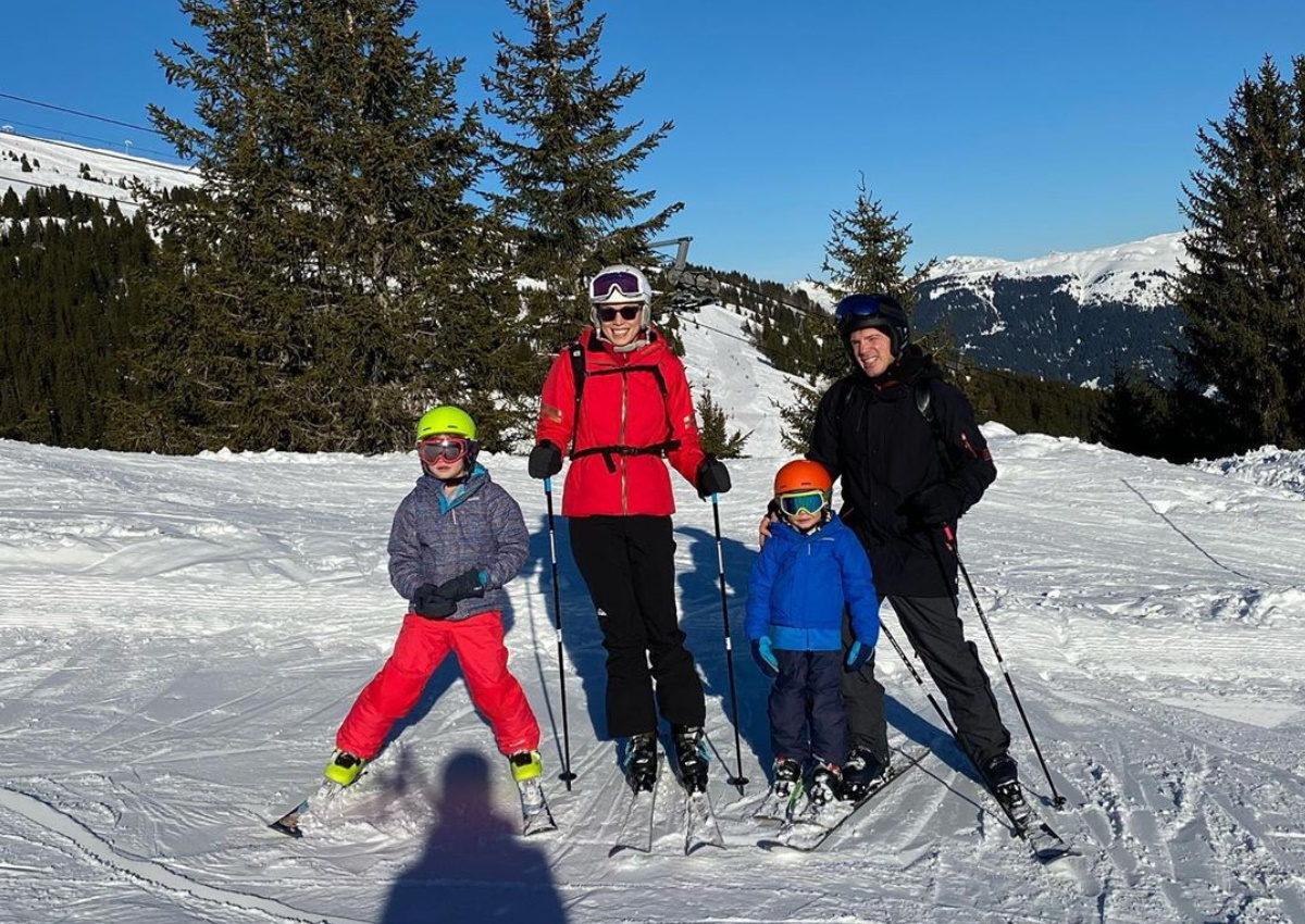 Μαριέττα Χρουσαλά – Λέων Πατίτσας: Το φωτογραφικό άλμπουμ των διακοπών με τα παιδιά τους στις Άλπεις! | tlife.gr