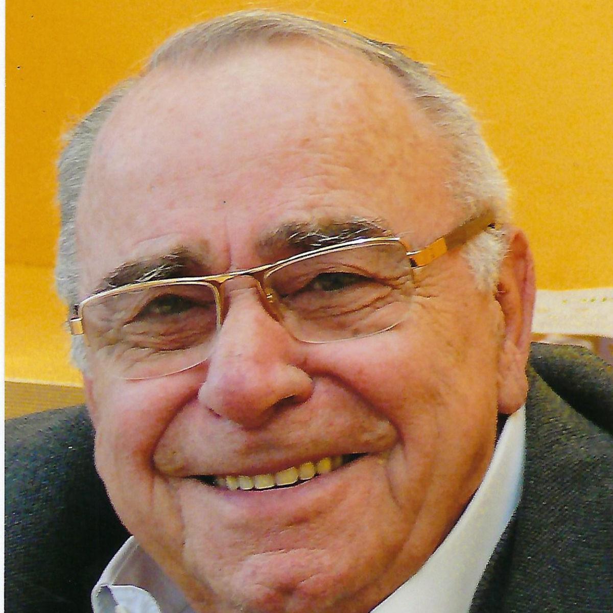 Πέθανε ο ιδρυτής της γνωστής αλυσίδας παιχνιδιών, Γιώργος Μουστάκας | tlife.gr