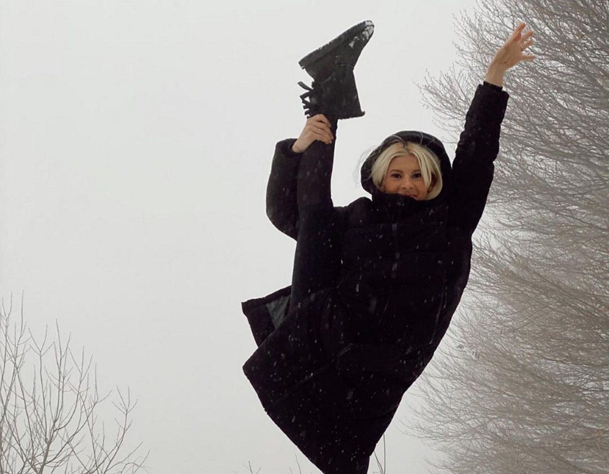Όλγα Πηλιάκη: Τα παιχνίδια στο χιόνι με την οικογένεια της στο Πήλιο (video) | tlife.gr