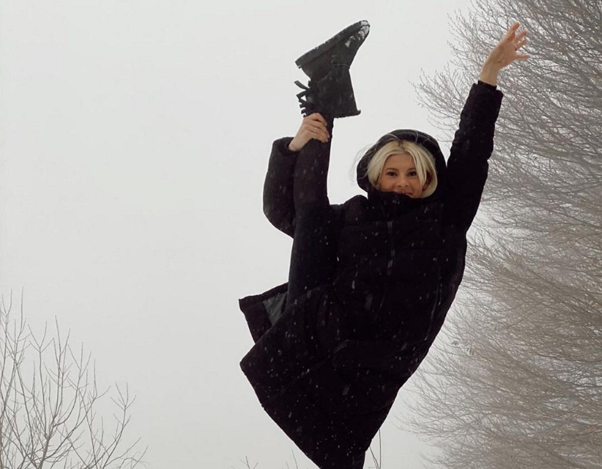 Όλγα Πηλιάκη: Τα παιχνίδια στο χιόνι με την οικογένεια της στο Πήλιο (video)
