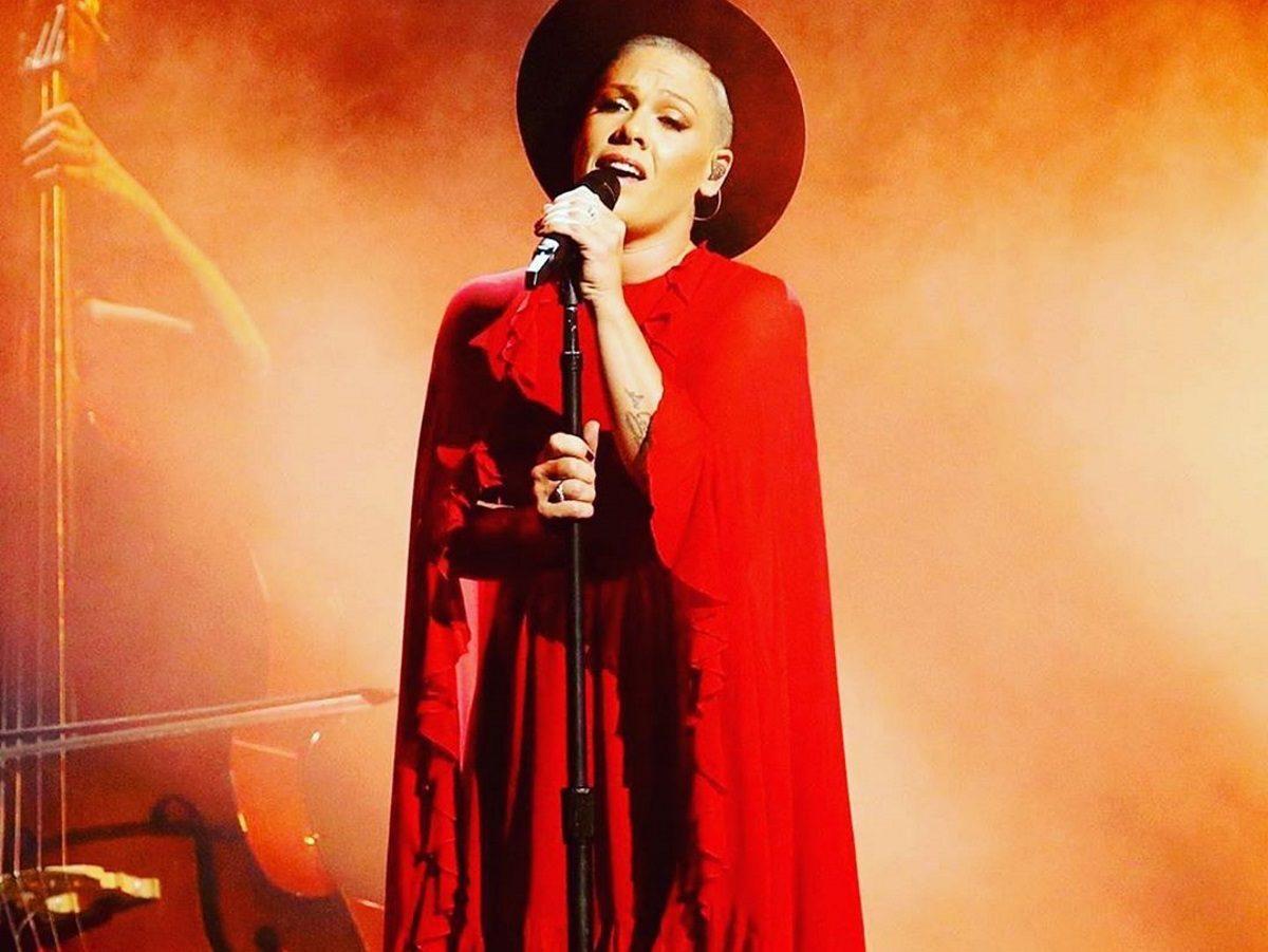 Pink: Κίνηση ανθρωπιάς από την τραγουδίστρια – Η δωρεά ύψους 500 χιλ. δολαρίων στην Αυστραλία   tlife.gr
