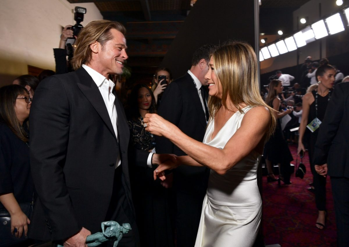 Jennifer Aniston: Τι είπε για τις φήμες επανασύνδεσης με τον Brad Pitt; | tlife.gr