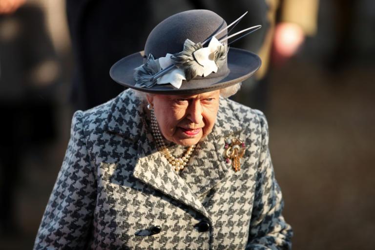 Η βασίλισσα Ελισάβετ ακύρωσε δημόσια εμφάνισή της – Τι συμβαίνει;   tlife.gr
