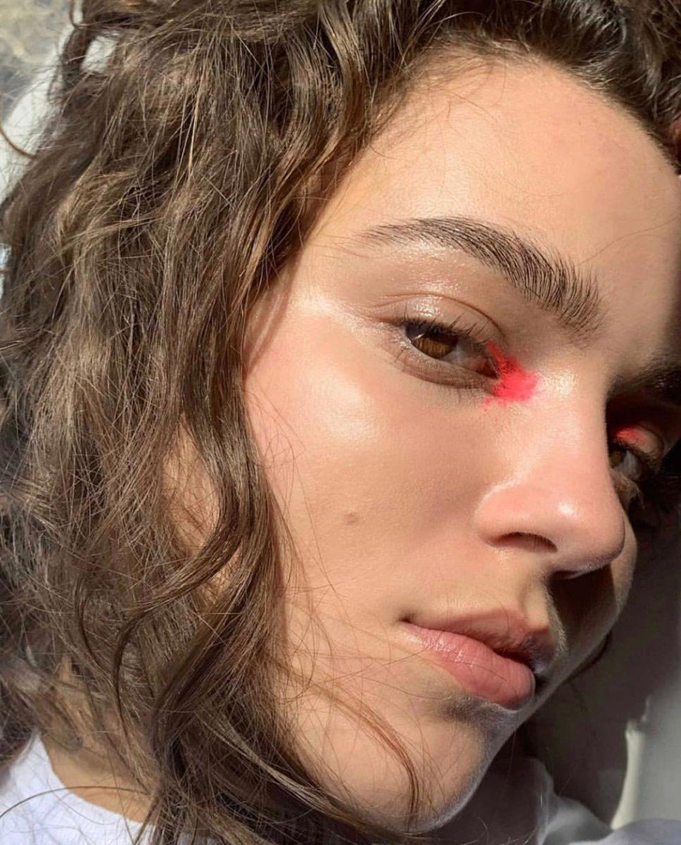Έχουμε νέα τάση στο μακιγιάζ και λέγεται Clean Color! | tlife.gr