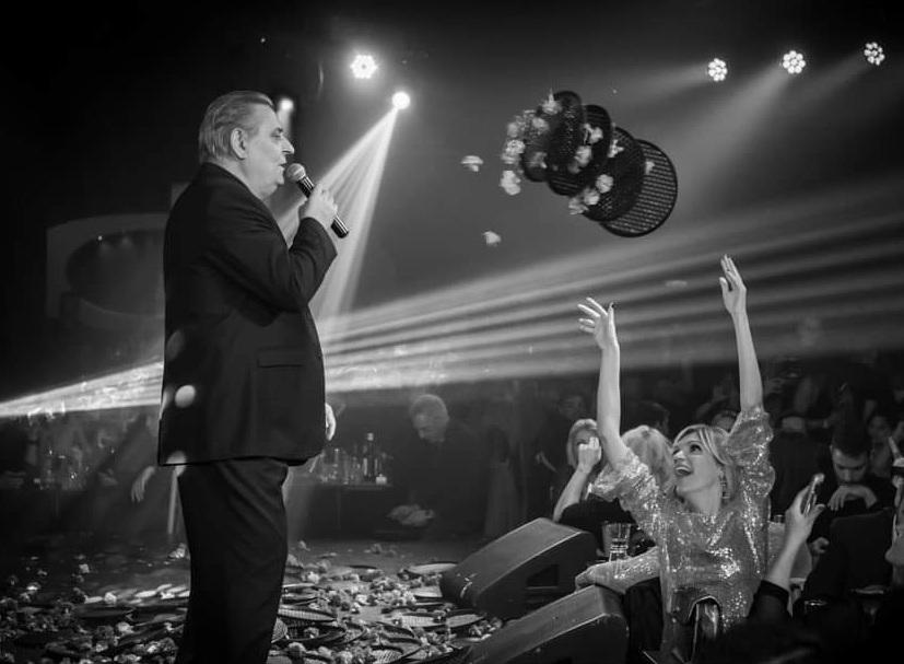Σάσα Σταμάτη: Διασκέδασε στον… Μελά με τον… Γιάννη Μελά! Φωτογραφίες | tlife.gr