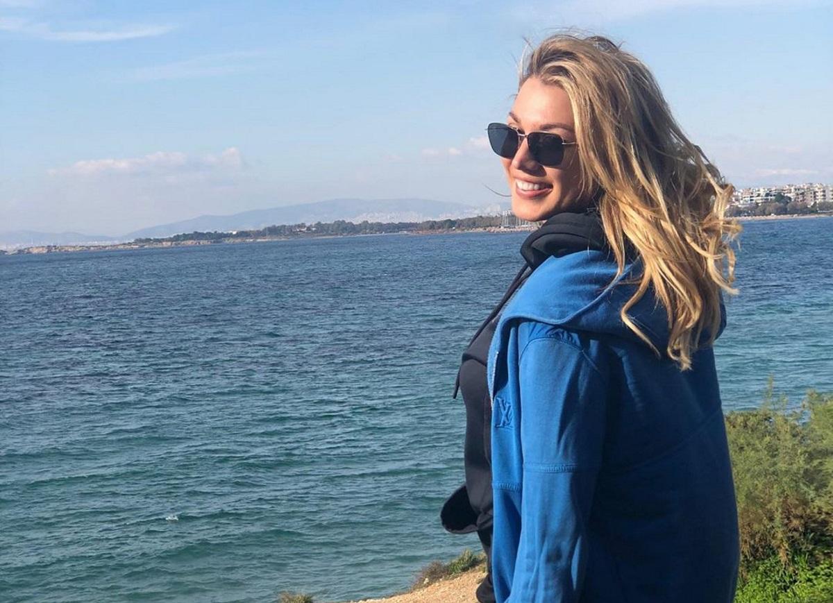 Κωνσταντίνα Σπυροπούλου: Ανυπομονεί για το καλοκαίρι! Η βόλτα στη θάλασσα μέσα στο χειμώνα [pic,vid]