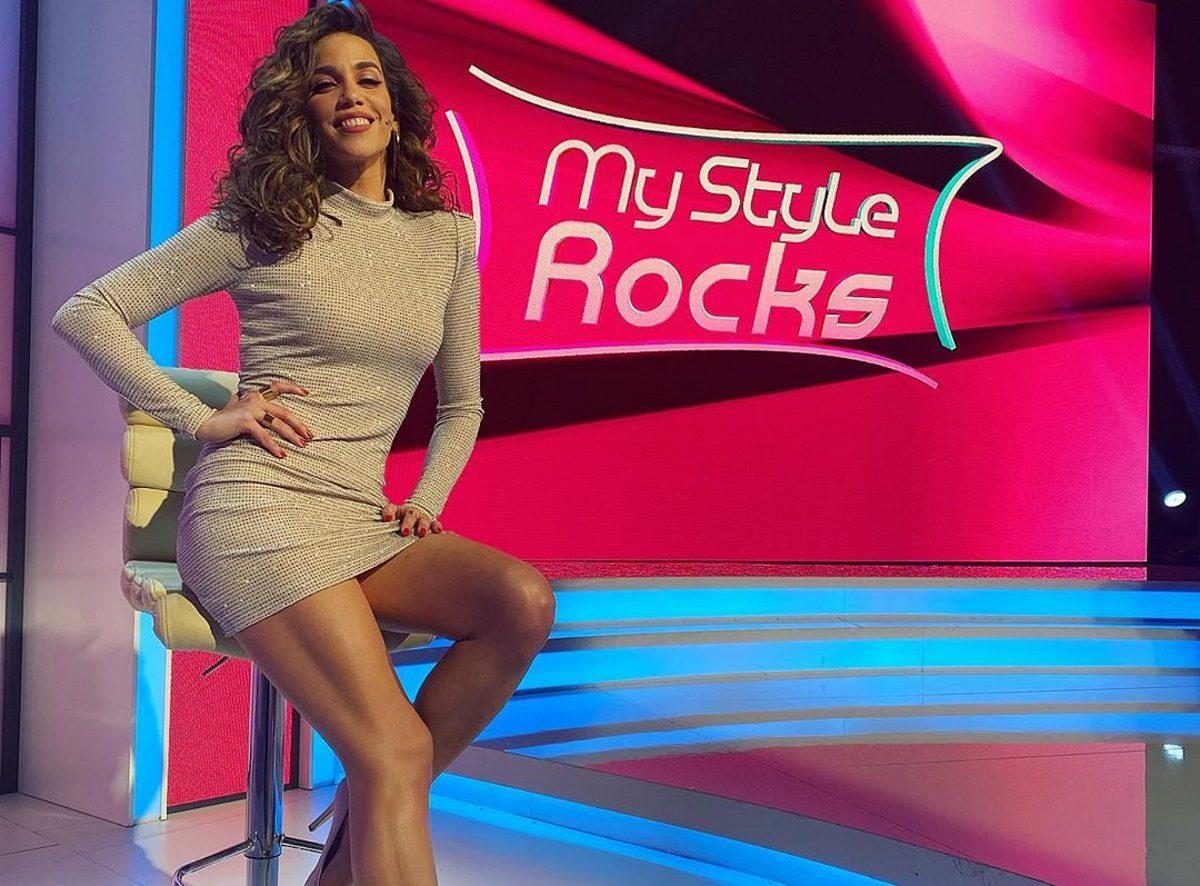 Κατερίνα Στικούδη: Ποζάρει χωρίς ίχνος μακιγιάζ, φορώντας το μπουρνούζι της! [pic]   tlife.gr