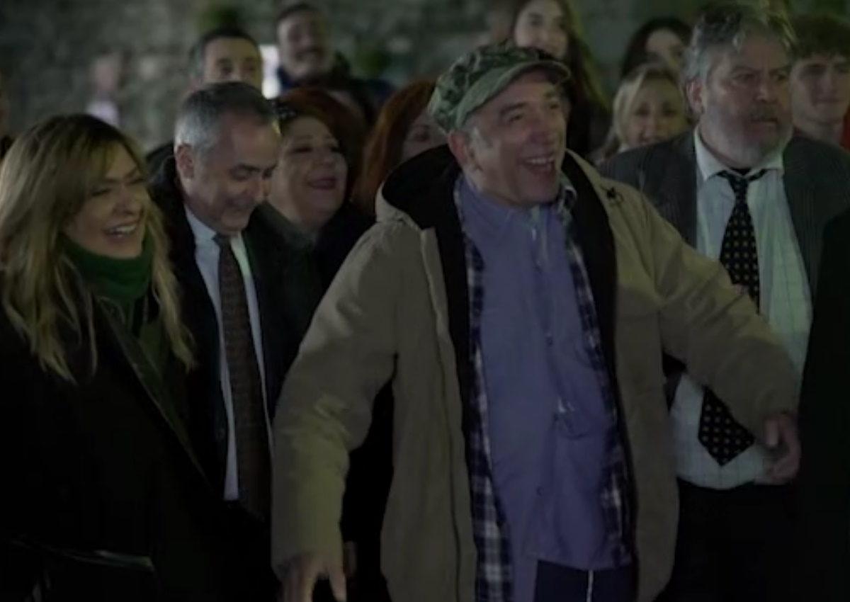 Αυτός είναι ο λόγος που ο «Τρελαντώνης» θα εμφανιστεί μόνο σε 4 επεισόδια του «Καφέ της Χαράς» [video] | tlife.gr