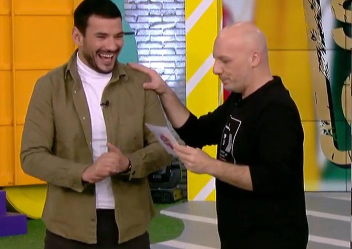 Νίκος Μουτσινάς: Απολογήθηκε on air στον Κώστα Τσουρό για το unfollow στο Instagram! [video] | tlife.gr