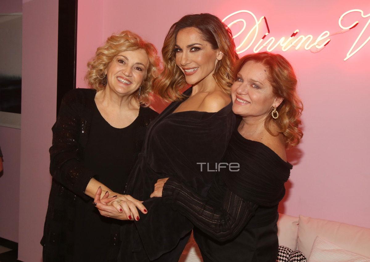 Δέσποινα Βανδή: Οι διάσημες κολλητές της και ο Ντέμης Νικολαΐδης την απόλαυσαν επί σκηνής! Φωτογραφίες   tlife.gr