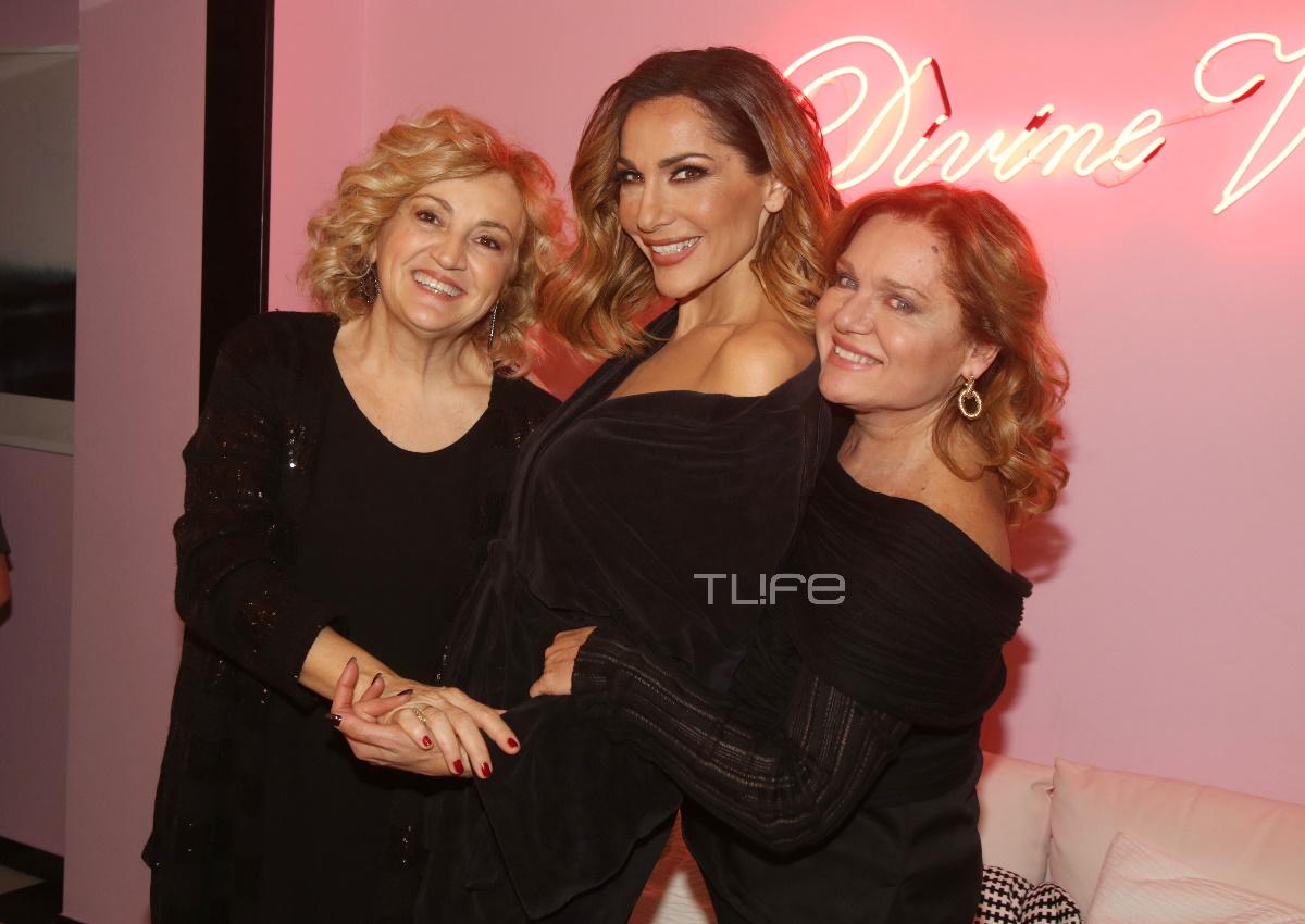 Δέσποινα Βανδή: Οι διάσημες κολλητές της και ο Ντέμης Νικολαΐδης την απόλαυσαν επί σκηνής! Φωτογραφίες