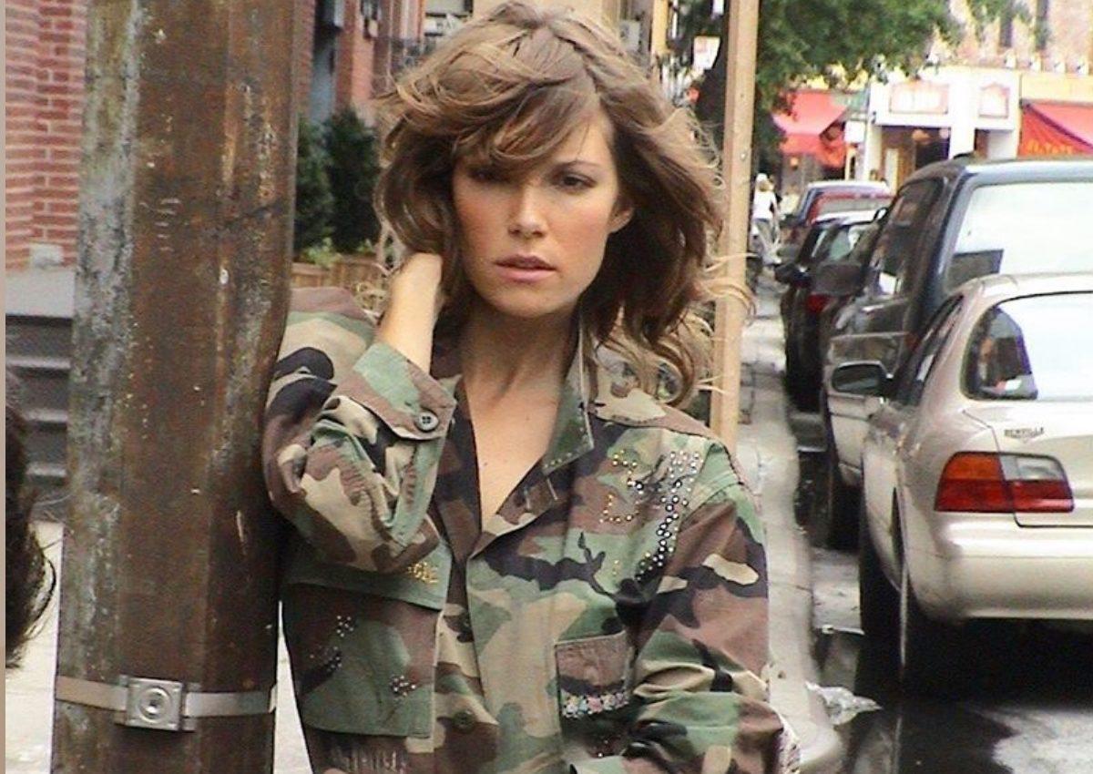 Βίκυ Καγιά: Η εντυπωσιακή φωτογράφιση από τα παλιά, στους δρόμους της Νέας Υόρκης! [pics] | tlife.gr
