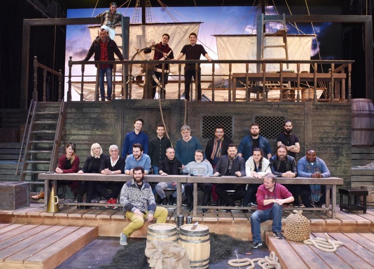 Moby Dick: Οι πρωταγωνιστές μας παρουσιάζουν το διάσημο μιούζικαλ – Φωτογραφίες   tlife.gr