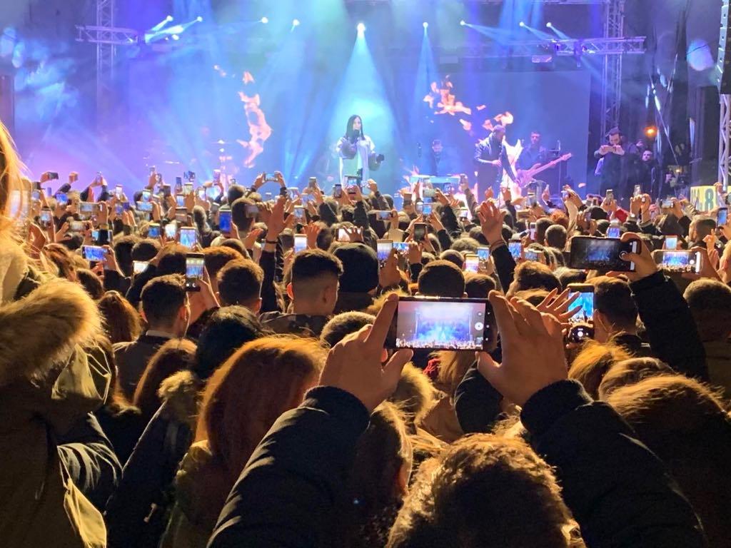 Λένα Ζευγαρά: Αποθεώθηκε σε συναυλία της στο Ρέντη! [video]