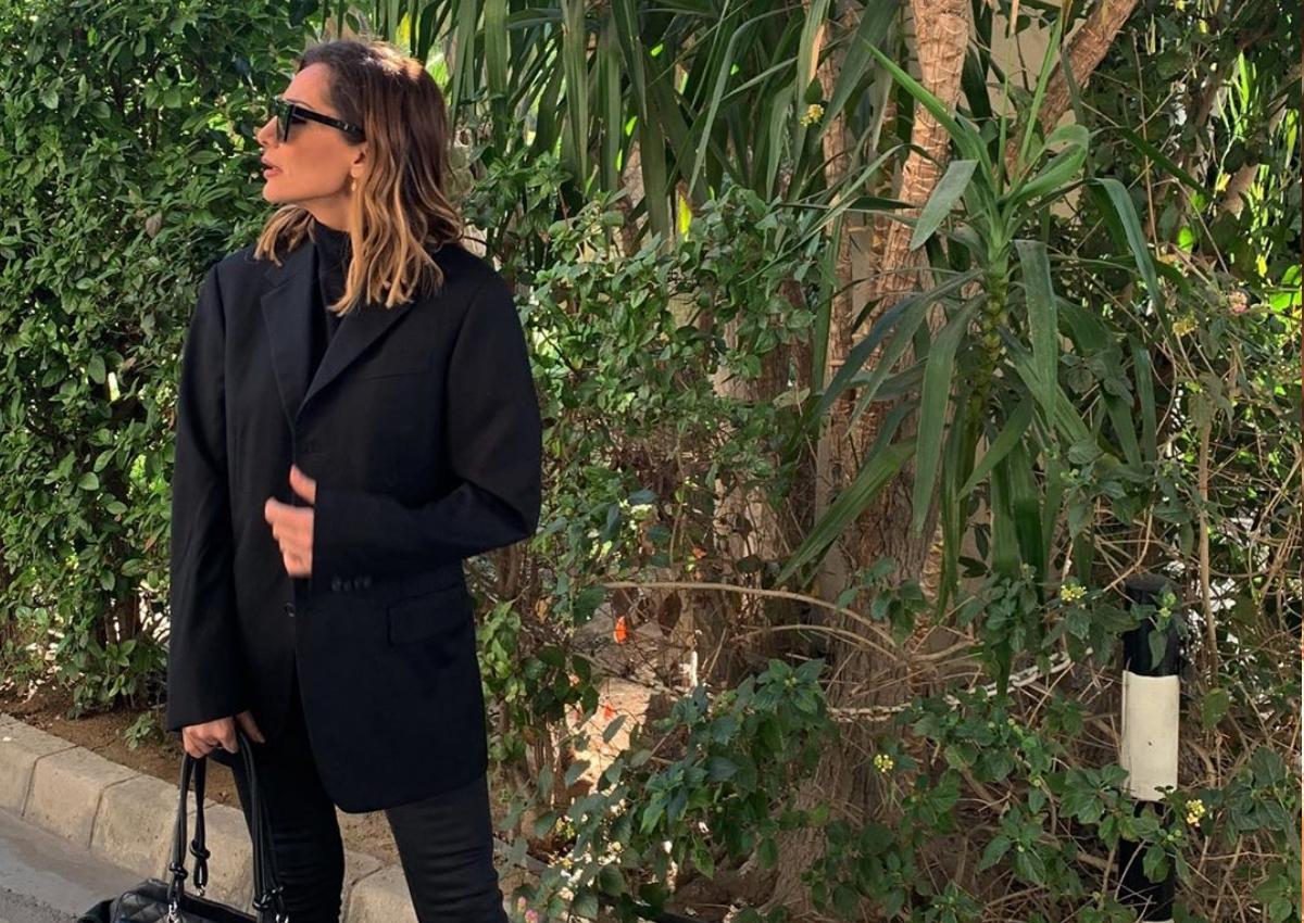 Δέσποινα Βανδή: Ταξίδεψε στην Κύπρο φορώντας μάσκα για τις ιώσεις!