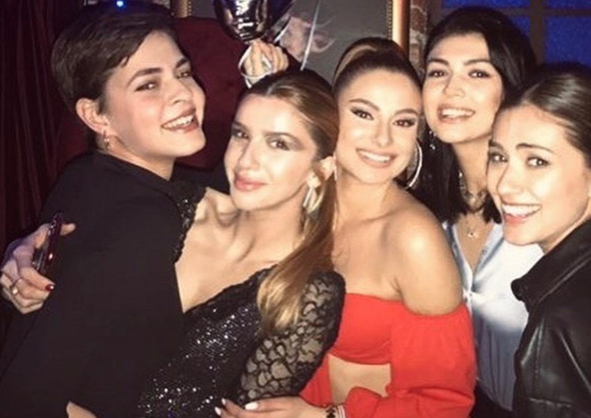 Γκλόρια Ντενίκη: Γιόρτασε τα γενέθλιά της παρέα με τις φίλες της από το GNTM! | tlife.gr