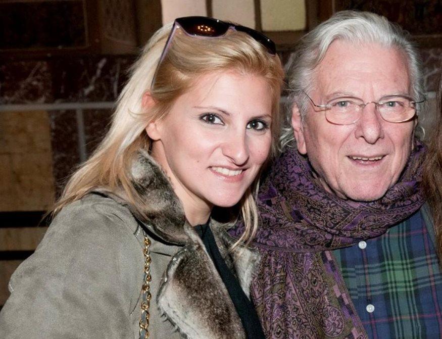 Κώστας Βουτσάς: Ο συγκινητικός τρόπος που τον αποχαιρέτησε η κόρη του, Θεοδώρα | tlife.gr