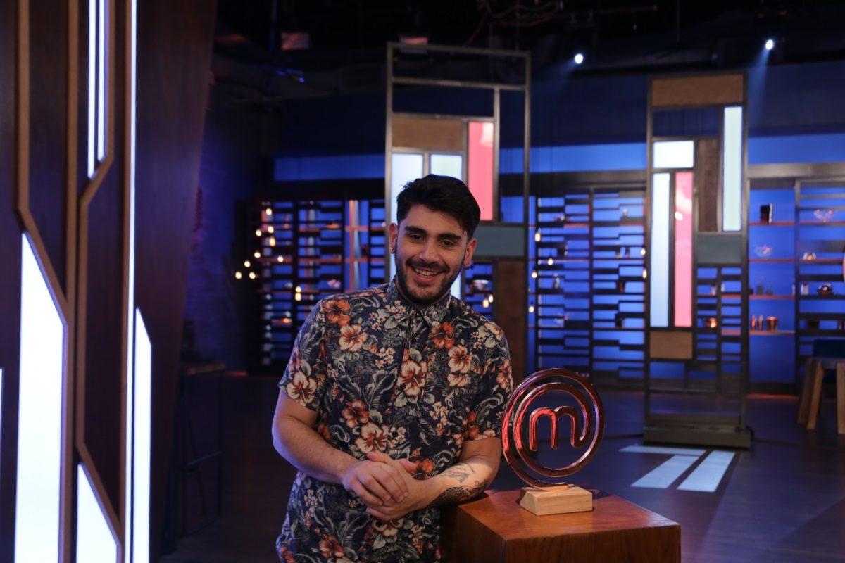 MasterChef 4: Guest στο σημερινό επεισόδιο, ο νικητής του τρίτου κύκλου, Μανώλης Σαρρής! Video   tlife.gr