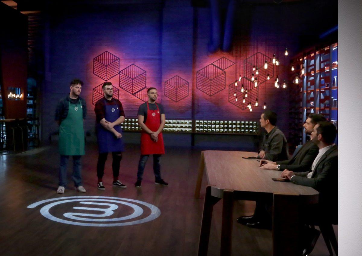 MasterChef 4: Τα «μαχαίρια» βγαίνουν στο αποψινό επεισόδιο;   tlife.gr