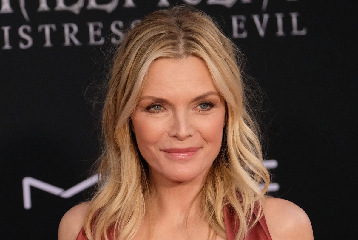Αυτό που είναι μόδα στα αρώματα τώρα η Michelle Pfeiffer το έκανε χρόνια πριν!   tlife.gr
