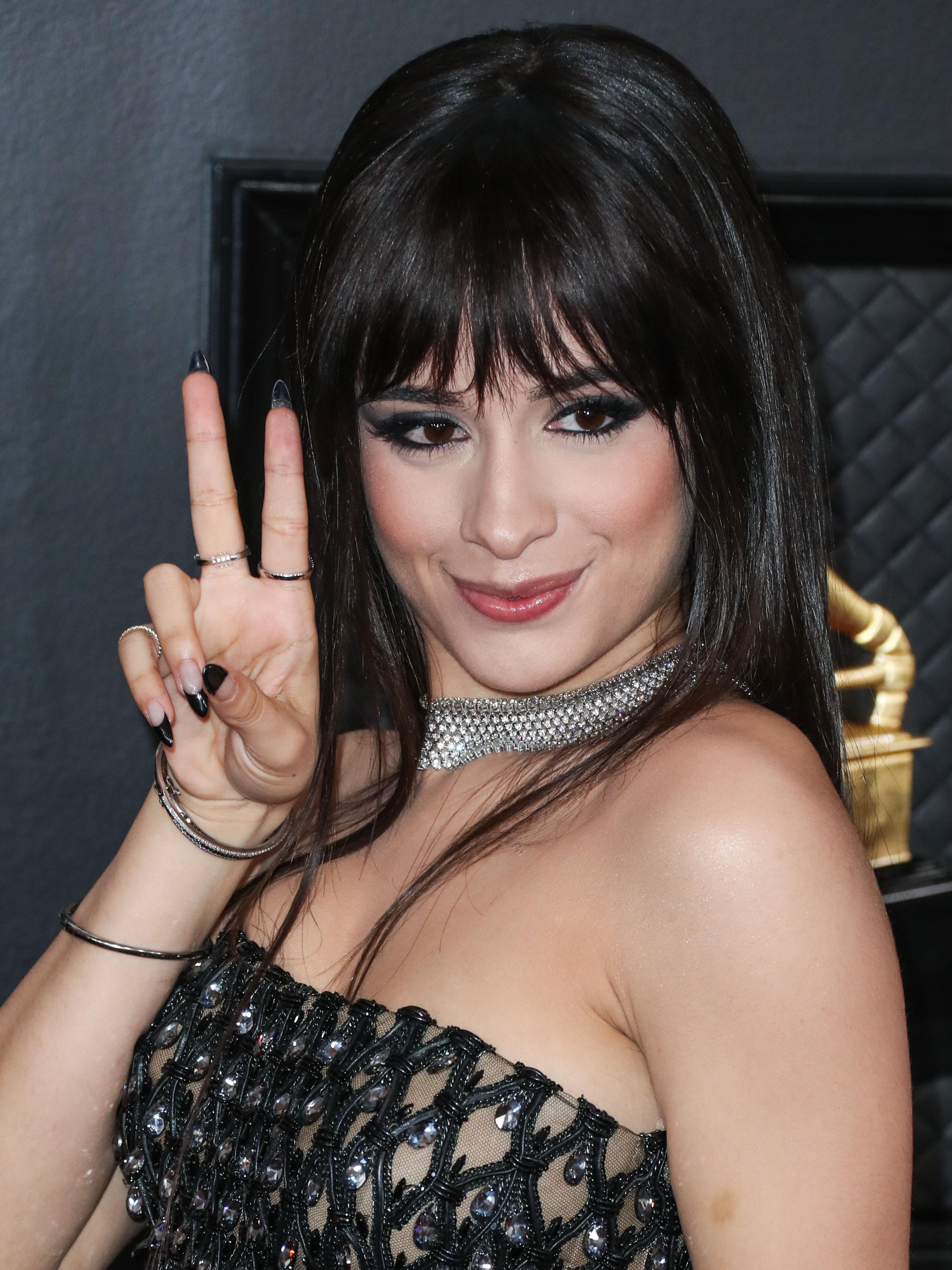 H Camila Cabello με καρέ!