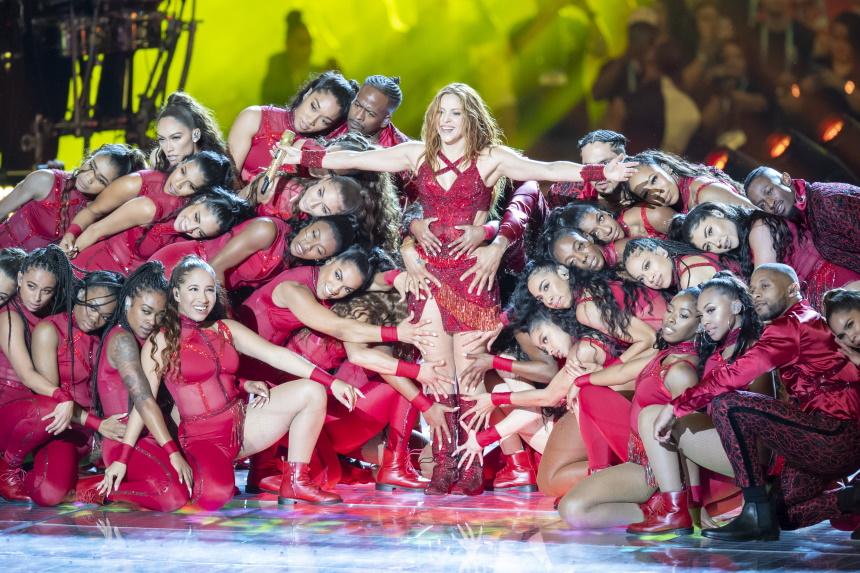 Έβαλαν… φωτιά στο ημίχρονο του Super Bowl LIV Jennifer Lopez και Shakira! (photos, BINTEO)