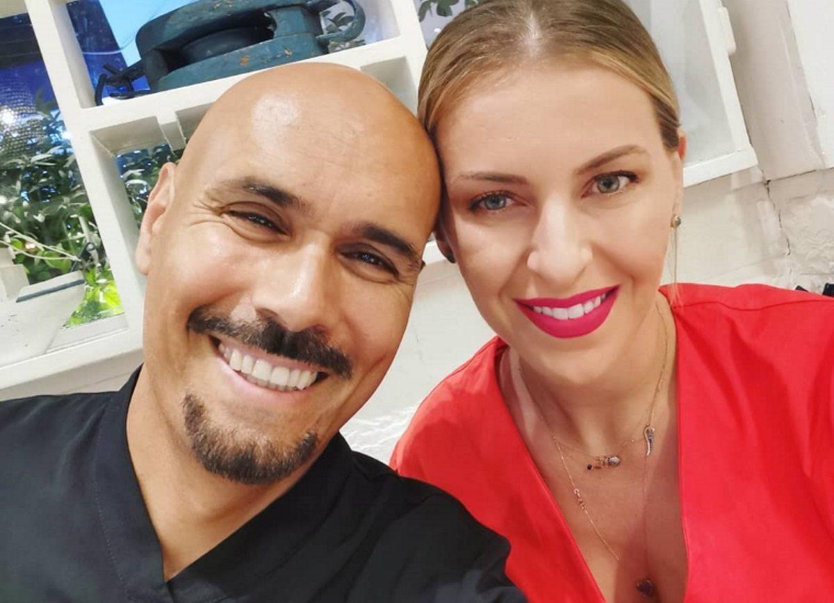 Δημήτρης Σκουλός: Η σέλφι με τη σύζυγό του με αφορμή την ημέρα των ερωτευμένων! | tlife.gr