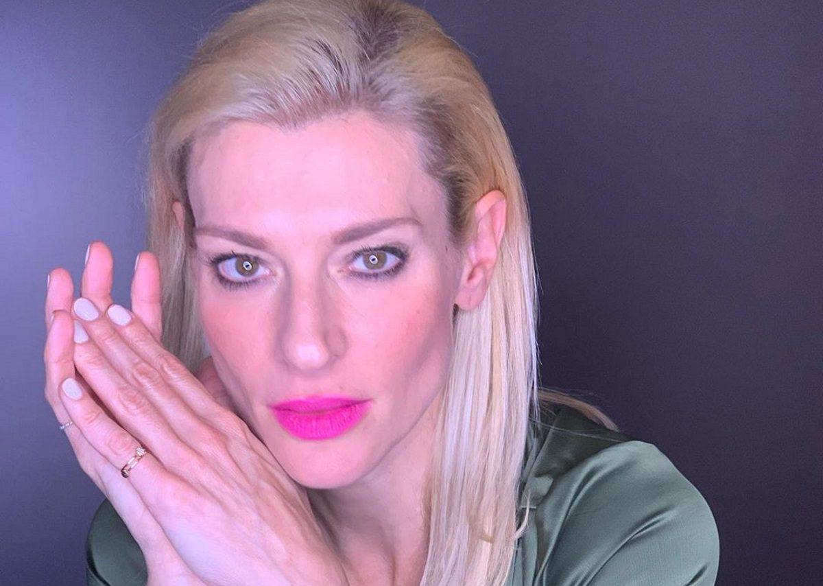 Ζέτα Δούκα: Ποζάρει με καστανά μαλλιά και είναι αγνώριστη! | tlife.gr