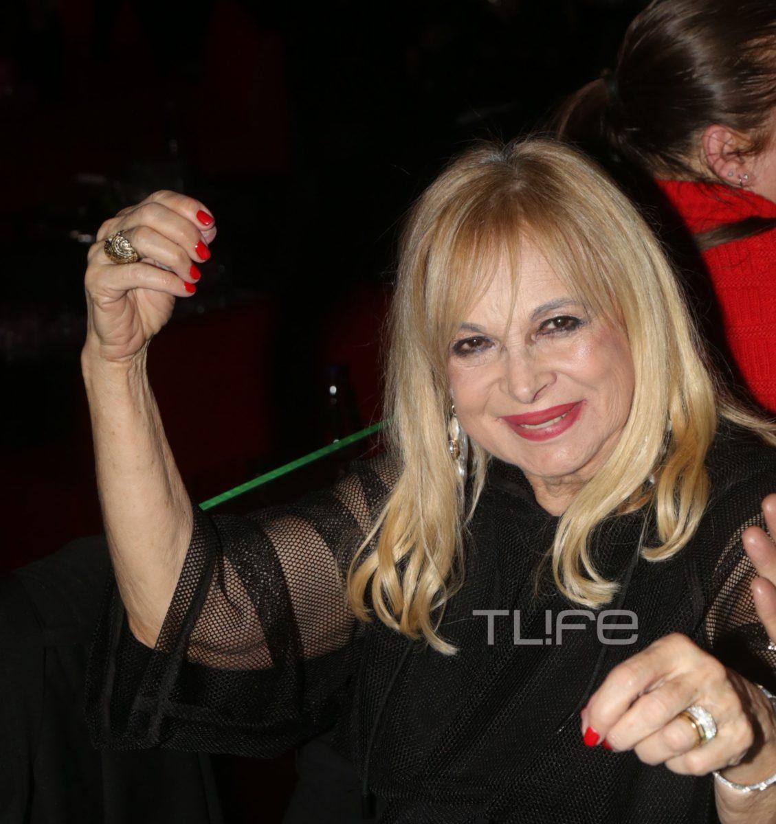 Άννα Φόνσου: Διασκέδασε στα μπουζούκια μετά την περιπέτεια της υγείας της   tlife.gr